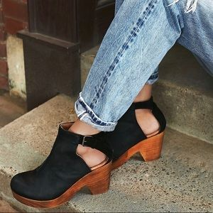 Free People Amber Orchard Black Leather Clog Sz 41